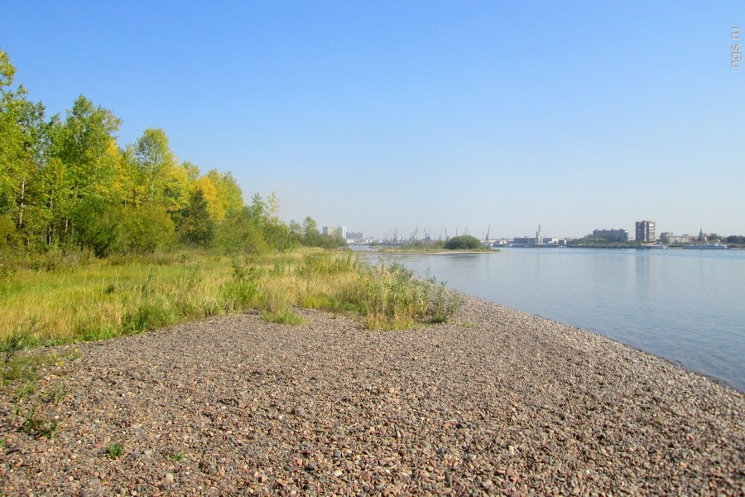 Żwirowa plaża naturystyczna w Krasnojarsku