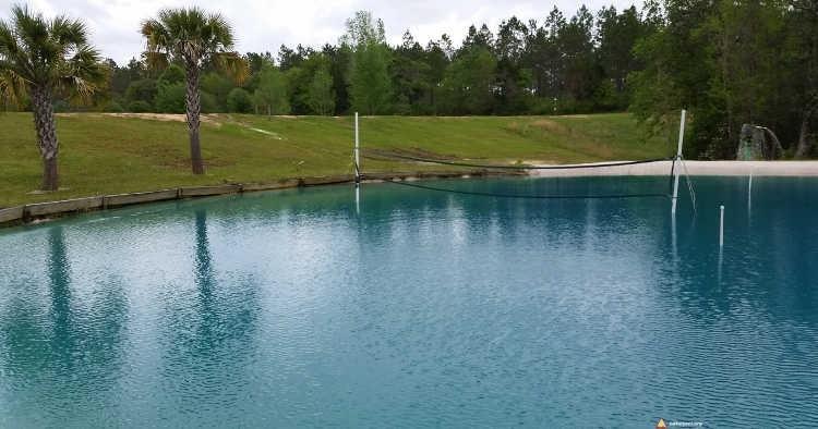 Zbiornik wodny w ośrodku Hidden Lake Resort