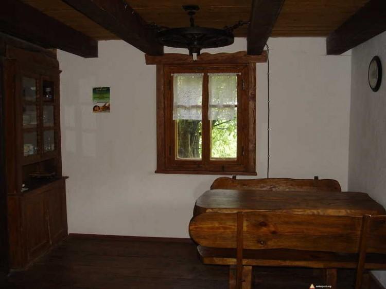 Chata dla naturystów - ława