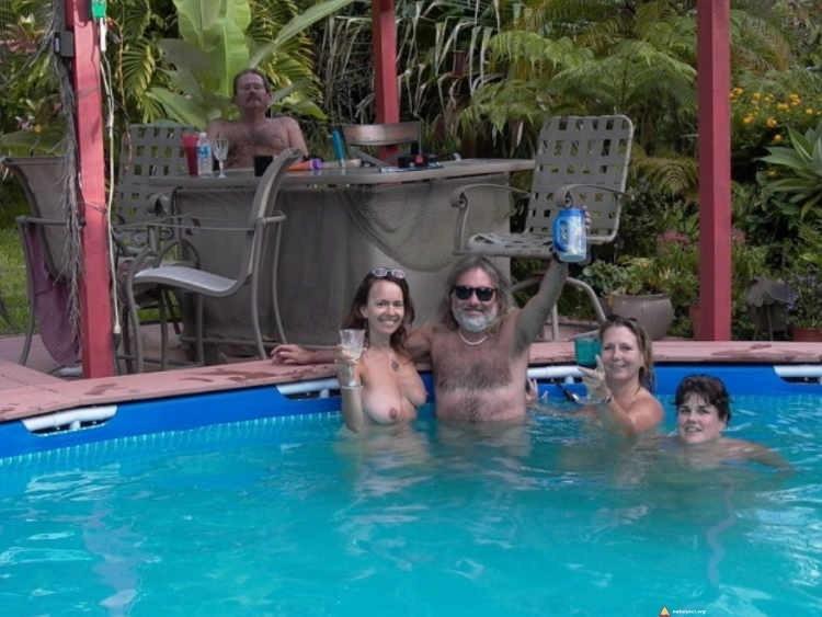 Naturism in Hawaii- Pool