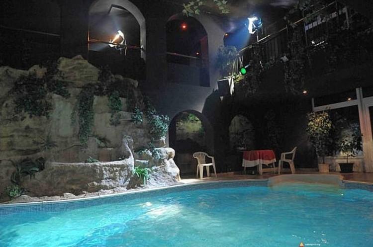 Hotelowy basen fkk